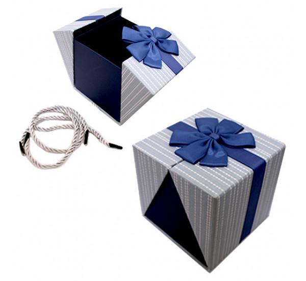 Подарочная коробка 11Х11см синяя