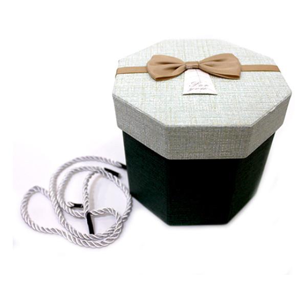 Подарочная коробка 8 стороняя 11,5Х13см зеленая