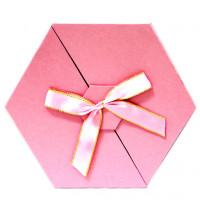 Коробка для подарков шестигранная (пудровая) №1 D-058