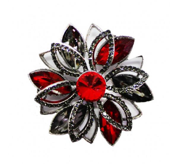 """Брошь """"Fashion"""" со стразами в форме цветка, цвет камней красный и серый, в серебре"""